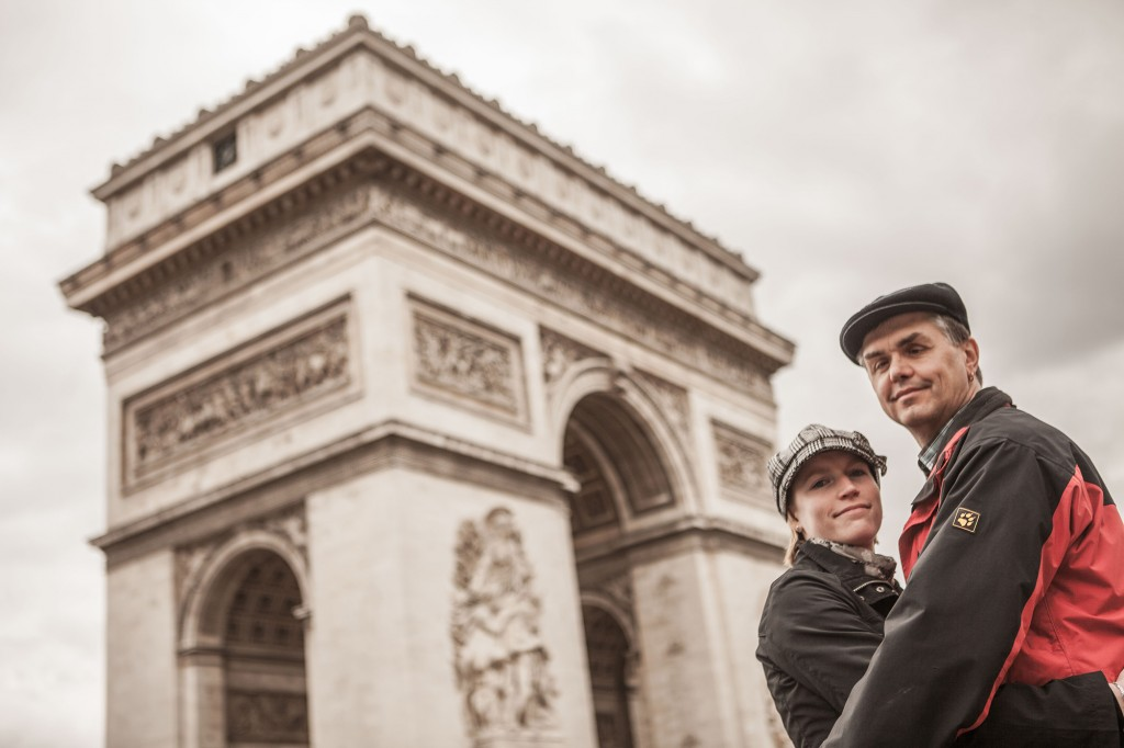 arc-de-triumph-shooting-paare-in-paris
