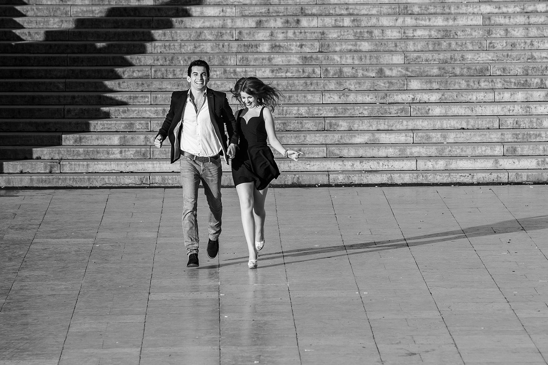 Fotoshooting in Paris als Geschenkidee füt junge Paare