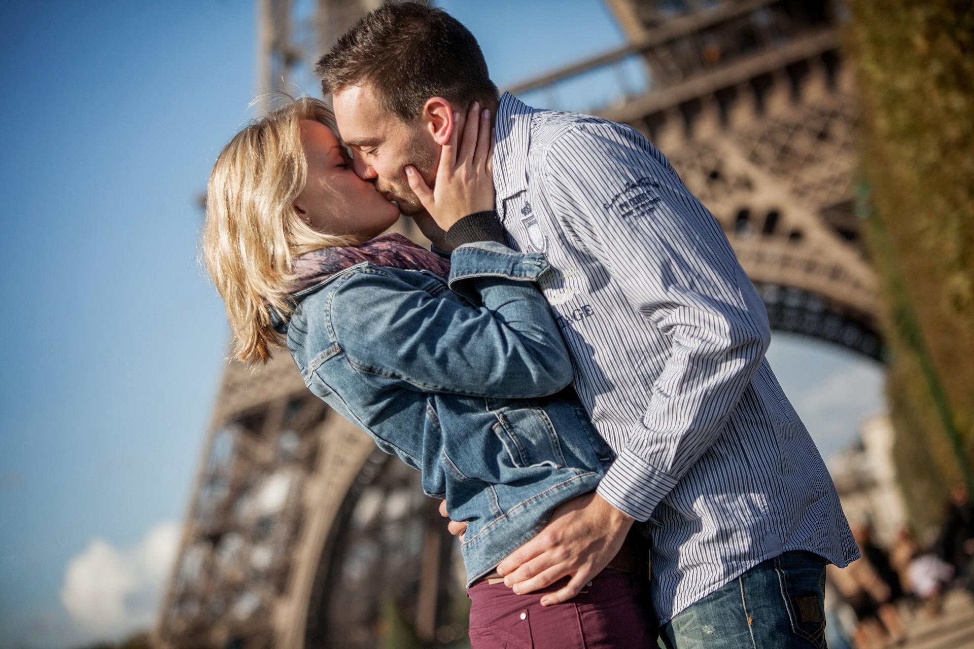 Herbstromantisches Fotoshooting in Paris am Eiffelturm