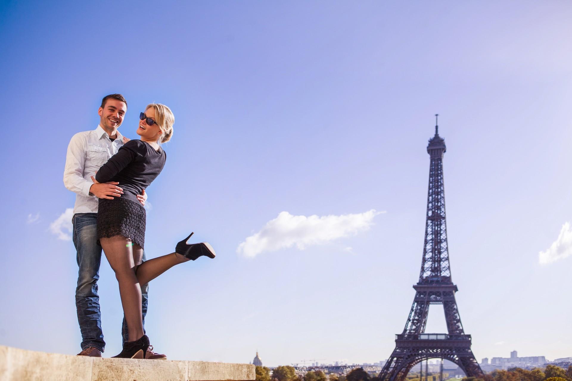 Fun Fotoshooting mit Fotograf in Paris
