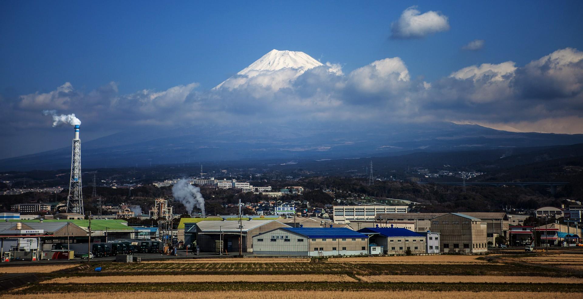 Reportage-Fotograf-in-Paris-Reportage-Fotografie-Japan-Berg-Vulkan-Fuji