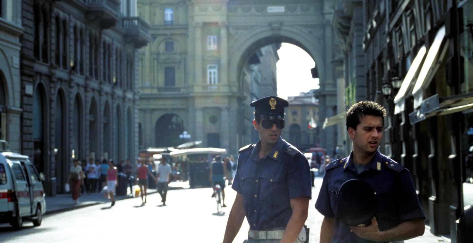 Reportage-Fotograf-in-Paris-Reportage-Fotografie-Mafia-in-Italien