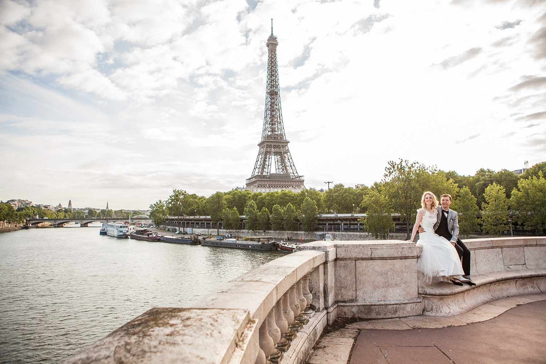 Hochzeitsfotograf Paris mit deutschen Brautpaar